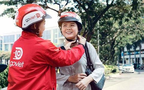 Nữ tài xế công nghệ giúp mẹ tròn con vuông