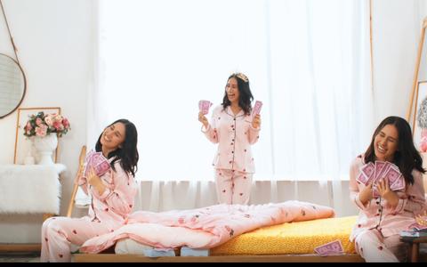 """Thí sinh Miss Universe Viet Nam 2019 biến hóa trong MV """"May ghê em là Lady"""""""