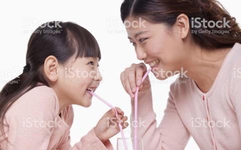 """""""Đánh Đông dẹp Tây"""" tìm nguồn sữa tươi chuẩn cho con"""