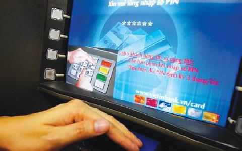 Cảnh báo hàng loạt chiêu chiếm đoạt tài khoản ngân hàng