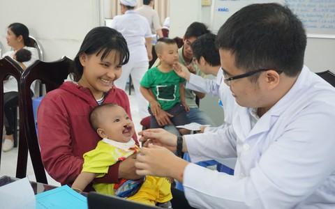 Hơn 30 trẻ em sứt môi, hở hàm ếch được phẫu thuật miễn phí