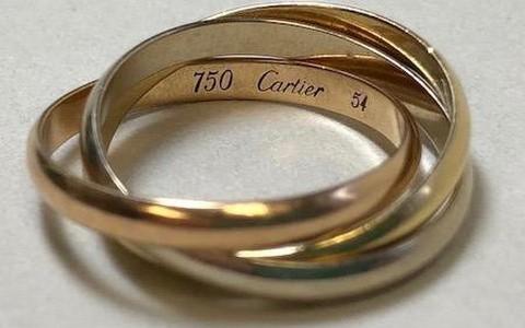 Khách Nhật bỏ quên nhẫn vàng hiệu Cartier Trinity tại sân bay Nội Bài