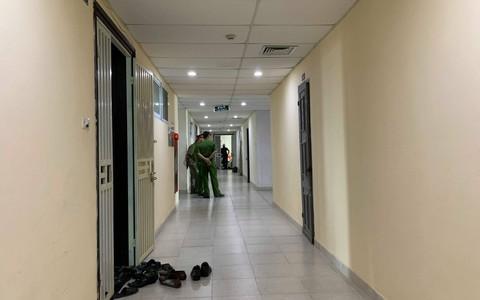 Vợ bỏ ra khỏi nhà, chồng chốt cửa rồi treo cổ tự tử