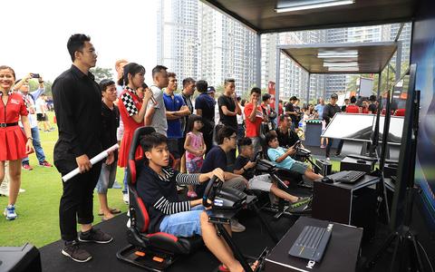 Hàng ngàn người tại TP HCM háo hức trổ tài đua F1