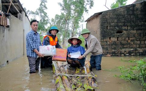 """Cùng Báo Người Lao Động đi qua """"xứ ngập lụt"""" Quảng Bình"""