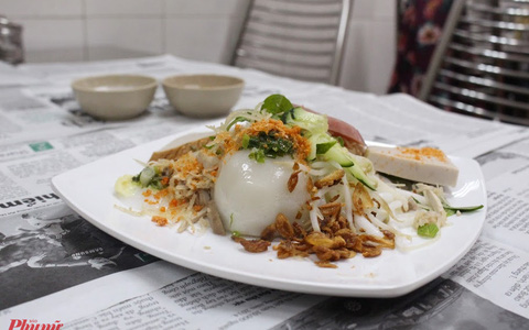 """Những món ăn kèm nước cốt dừa """"lịm tim"""" của người miền Tây ở TP HCM"""