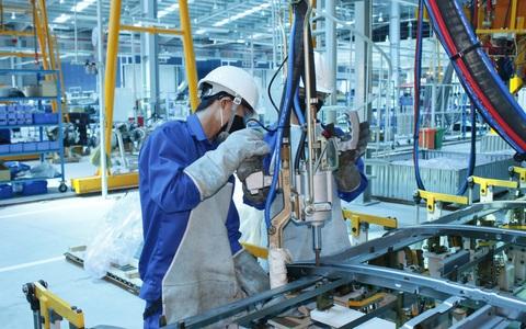 Covid-19 khiến tiền lương sụt giảm nghiêm trọng