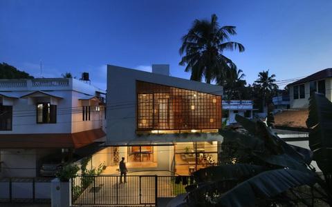 Thiết kế lạ, nhà trong hẻm vẫn thoáng sáng mọi góc