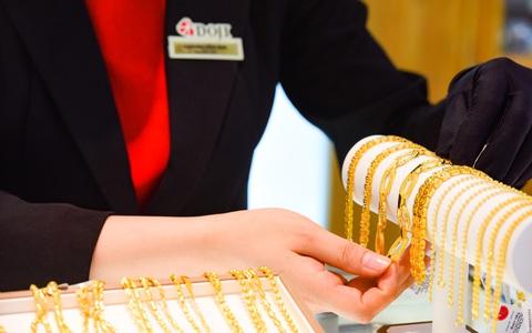Giá vàng lại bật tăng mạnh
