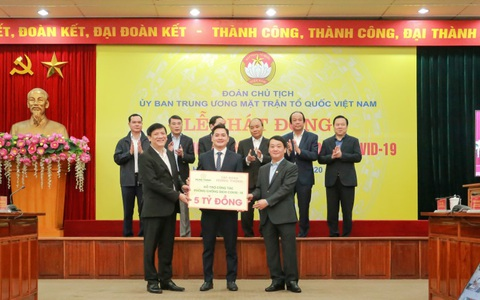 Tập đoàn Hưng Thịnh tài trợ 20 tỉ đồng cho y, bác sĩ nơi tuyến đầu chống dịch