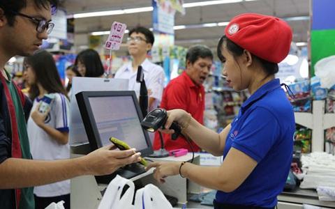 Ngân hàng, ví điện tử đua nhau tặng tiền cho người sử dụng