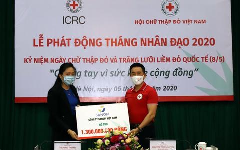 Sanofi Việt Nam quyên góp 1,3 tỉ đồng hỗ trợ người dân ĐBSCL bị ảnh hưởng bởi hạn mặn và phòng, chống dịch Covid-19