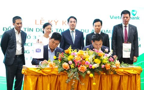 Vietcombank hợp tác toàn diện và tài trợ tín dụng 1.360 tỉ đồng cho REE Corporation