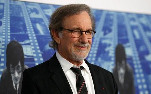 Kẻ quấy rối đạo diễn Steven Spielberg bị cấm đến gần ông