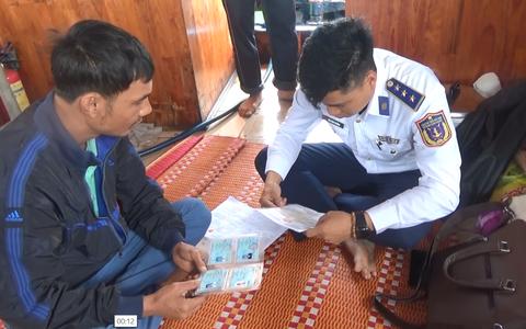 Quảng Nam: Bắt giữ tàu chở dầu không có giấy tờ hợp pháp
