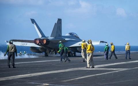 Trung Quốc điều chiến đấu cơ khi tàu sân bay Mỹ vào biển Đông