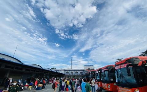 Xe Phương Trang phối hợp đưa hơn 3.000 người dân 17 tỉnh, thành về quê