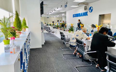 Cổ đông Eximbank nên làm việc với đại diện chính thức của ngân hàng