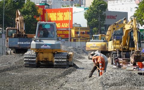 Ngày 20-4, TP HCM tạm dừng thi công các công trình