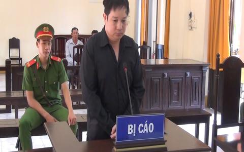 CLIP: Em vợ đâm chết anh rể ở Phú Quốc rồi mang súng nộp công an