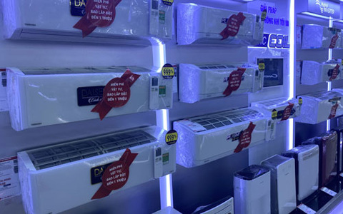 Máy lạnh giá ngất ngưởng vẫn có người mua