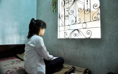 Một phụ huynh trình báo công an chuyện con gái 14 tuổi vào khách sạn với bạn trai