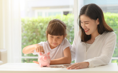 Dạy con tiết kiệm - bài học nhỏ hình thành nhân cách lớn