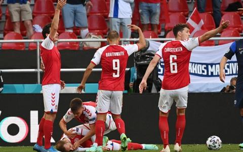 Eriksen đổ gục xuống sân, cầu thủ Đan Mạch, Phần Lan bật khóc