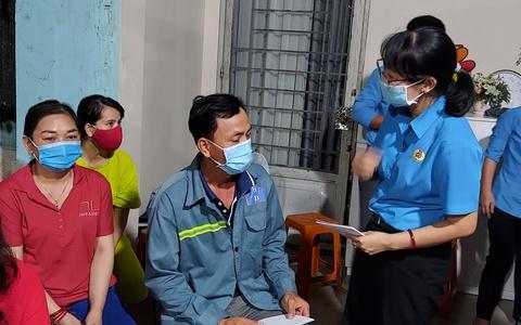 Công nhân, viên chức lao động Thành phố Hồ Chí Minh đoàn kết, chung tay đẩy lùi dịch bệnh,