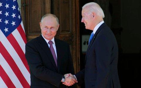 """Tổng thống Putin nói """"đời chẳng có gì vui"""" sau thượng đỉnh Mỹ - Nga"""
