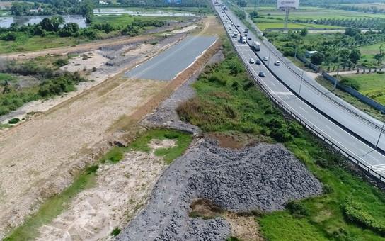 """NÓI THẲNG: Ai dám """"đặt cược"""" cao tốc Trung Lương - Mỹ Thuận!"""