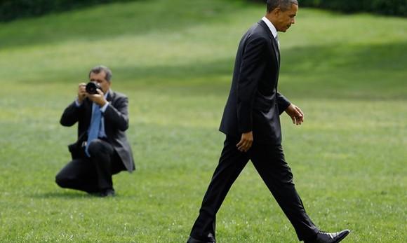 Nhiếp ảnh gia của ông Obama dùng máy ảnh gì?