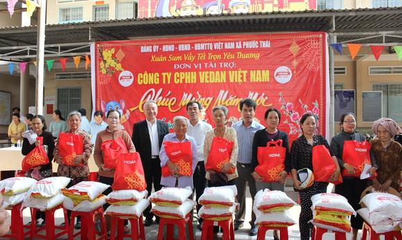 Vedan Việt Nam tặng 1.000 phần quà Tết cho người dân có hoàn cảnh khó khăn tại Đồng Nai