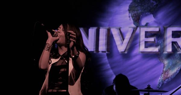 Hải Châu hợp tác cùng Universal Music Group: Mừng hay lo?