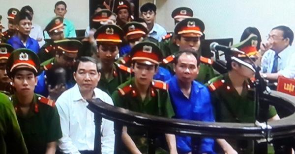 Dương Chí Dũng diện sơ mi trắng ra tòa phúc thẩm