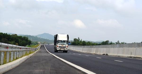 """Hàng loạt điểm """"sạn"""" trên đường cao tốc Đà Nẵng – Quảng Ngãi"""