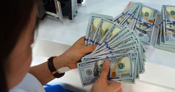 By the end of June 20, the Foreign Trade Bank Vietnam (Vietcombank) quoted  USD 22,830 VND / USD, which sells 22,900 VND / USD and increases by 20 USD  / in ...