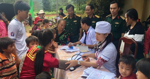 Quân dân y kết hợp chăm sóc sức khoẻ người dân