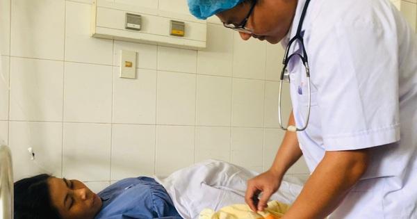 Vỡ òa hạnh phúc khi 2 mẹ con sản phụ bị sốt xuất huyết được cứu sống