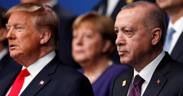 Mỹ đe tạt nước lạnh, Thổ Nhĩ Kỳ dọa xối nước sôi
