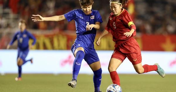 Tiền đạo Huỳnh Như: Đội trưởng gương mẫu tuyển quốc gia