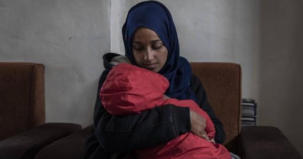 Hối châu Âu nhận lại tay súng IS, ông Trump lại cấm cô dâu IS về Mỹ