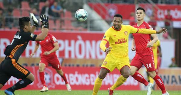 Adriano Schmidt mang tinh thần Đức lên tuyển
