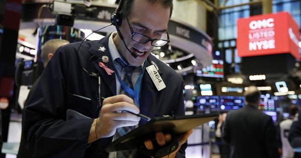 Covid-19 nẫng Dow Jones hơn 1.000 điểm, sản lượng kinh tế sụt giảm 1.000 tỉ USD