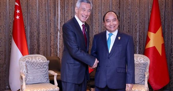 Thủ tướng Singapore ấn tượng với thành quả chống Covid-19 của Việt Nam