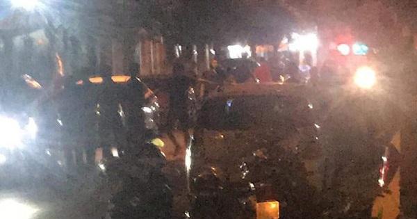 Nổ súng trấn áp 2 nhóm thanh niên xô xát, cố thủ trên ôtô