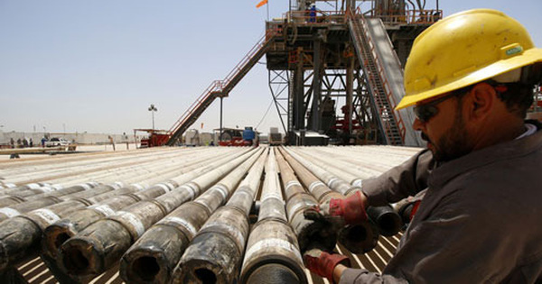 Giá dầu khởi sắc nhưng rủi ro còn đó