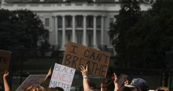 Hàng chục ngàn người Mỹ biểu tình, Nhà Trắng thành pháo đài