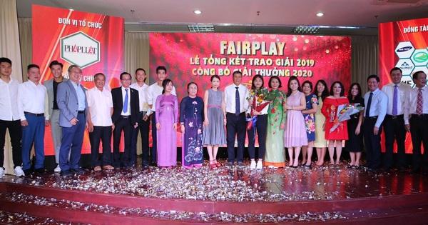Bà Lê Hoàng Diệp Thảo, thủ môn Bùi Tiến Dũng và tiền đạo Tiến Linh nổi bật ở Gala Fair-Play 2019