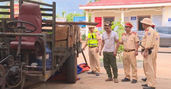 CSGT bắn 4 phát súng trấn áp sau khi đối tượng chở gỗ lậu lao xe vào tổ công tác